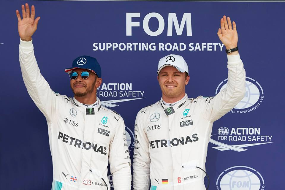 Hamilton imparable en Silverstone