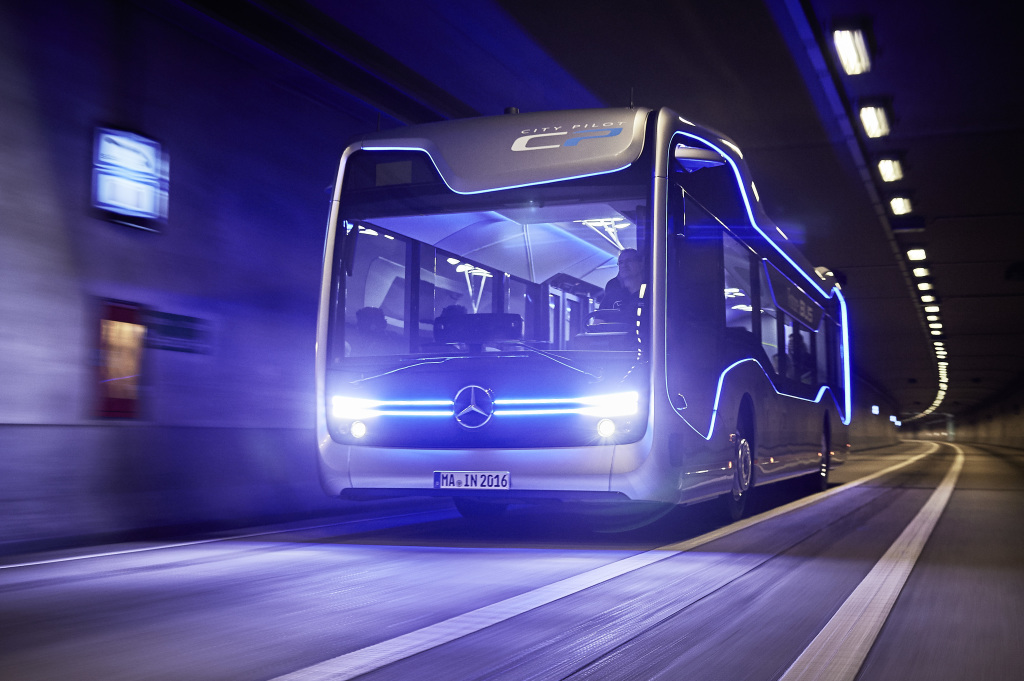 Mercedes-Benz Bus autónomo