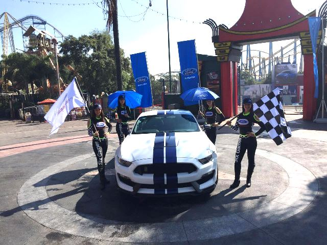 Ford  y Six Flags 2