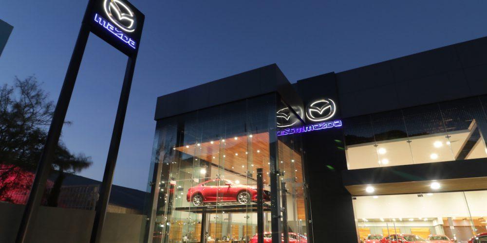 Mazda de México estrena imagen en sus concesionarias