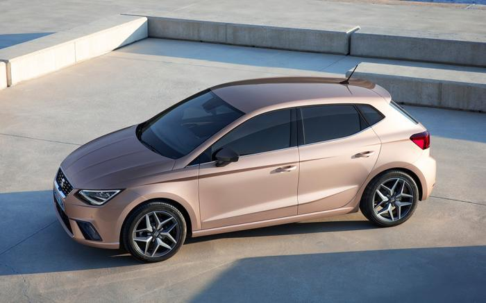 SEAT introduce motor tres cilindros