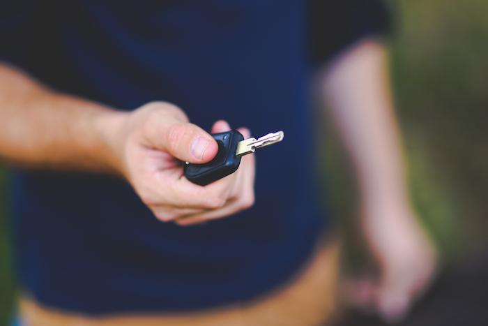 Desciende 7.2% la venta de vehículos en febrero