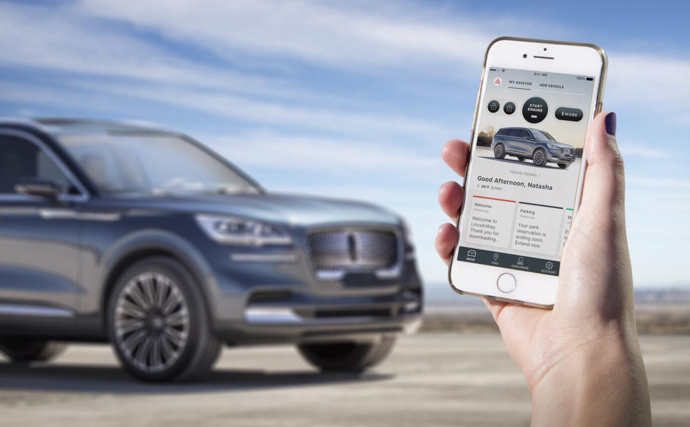 ¿Te conectas con tu celular al auto?