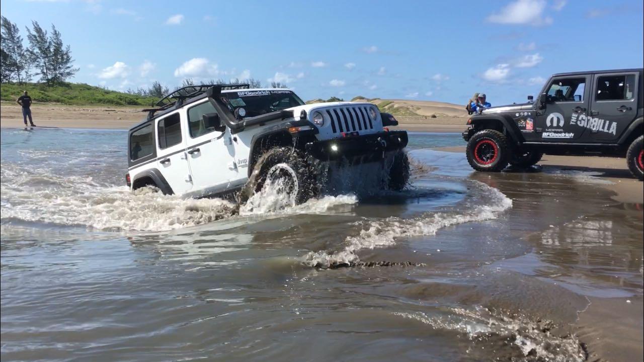 MOPAR, conquista la playa en Chachalacas, Veracruz