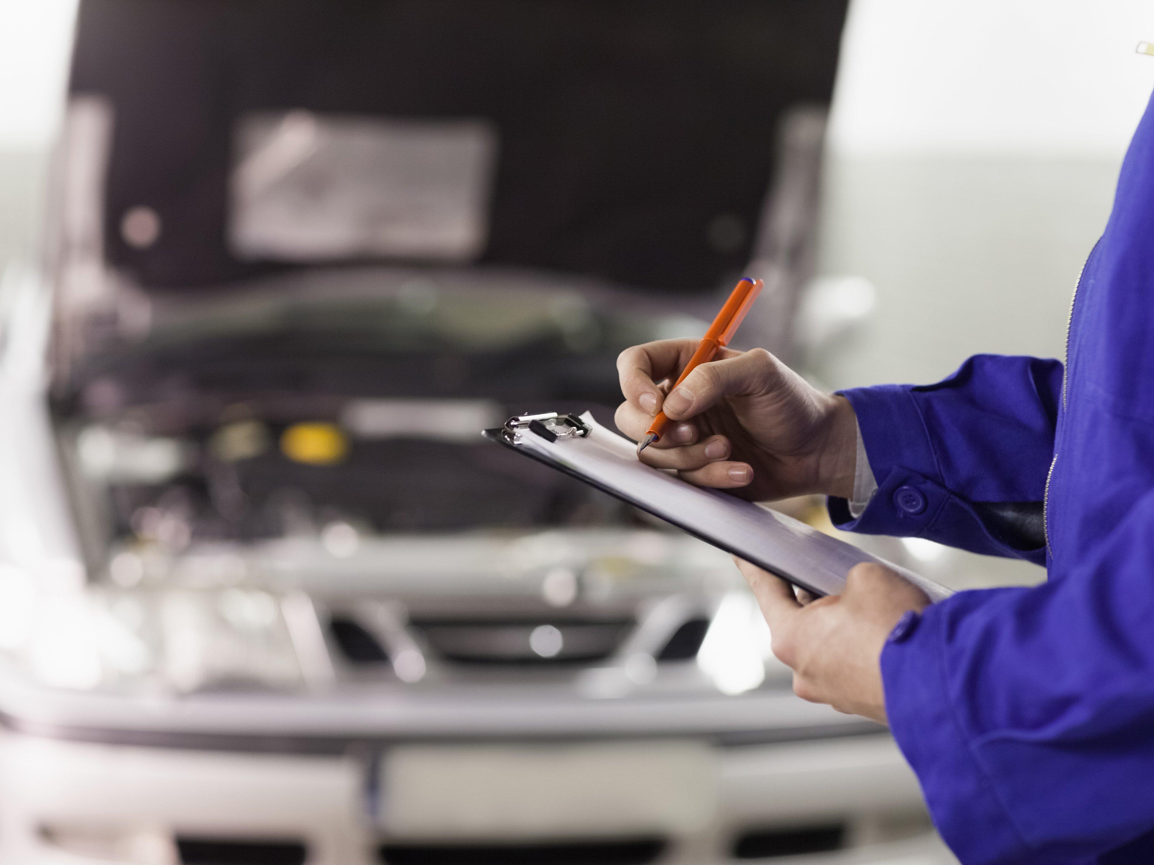 ¿Sabes cuáles son las 10 fallas más comunes en los autos?