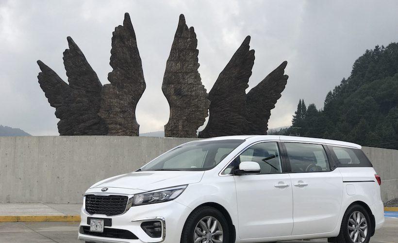 Probamos KIA Sedona, la minivan que quiere conquistar a México
