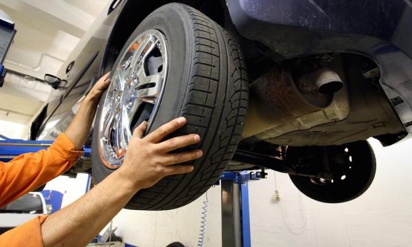Aprende a rotar las llantas del auto correctamente