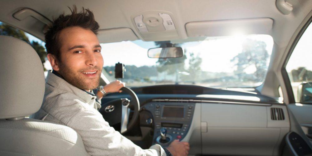 5 Maneras de ganar dinero fácil con tu auto
