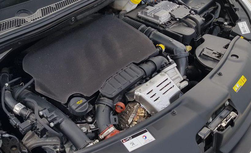 ¿Conoces las razones por las que se calienta el motor de tu auto?