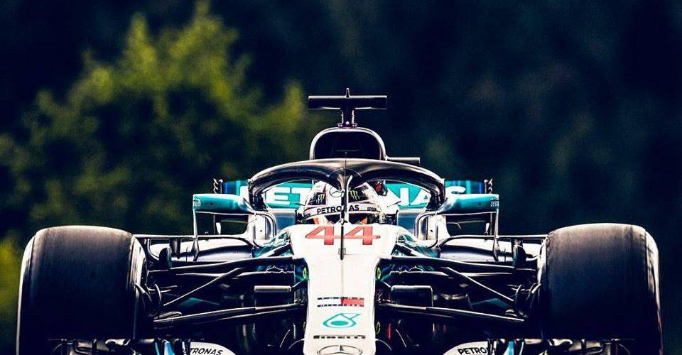 Lewis Hamilton se impuso con la pole bajo la lluvia en Spa