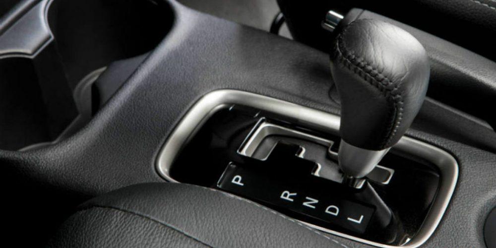 Mitos que seguramente has creído de los autos con transmisión automática