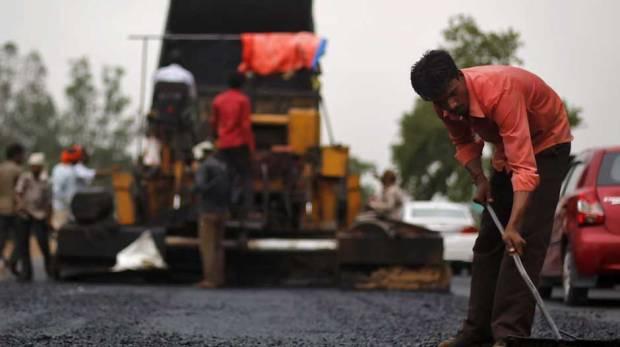 Las carreteras más verdes las está construyendo India, a partir de residuos de plástico