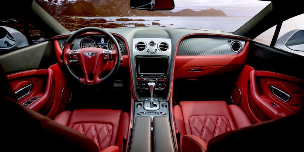 Cinco malos hábitos que debes evitar en un auto con transmisión automática