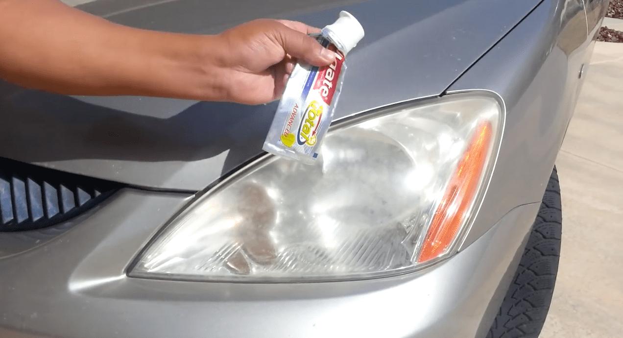 limpiar-grasa-de-los-cristales-del-coche