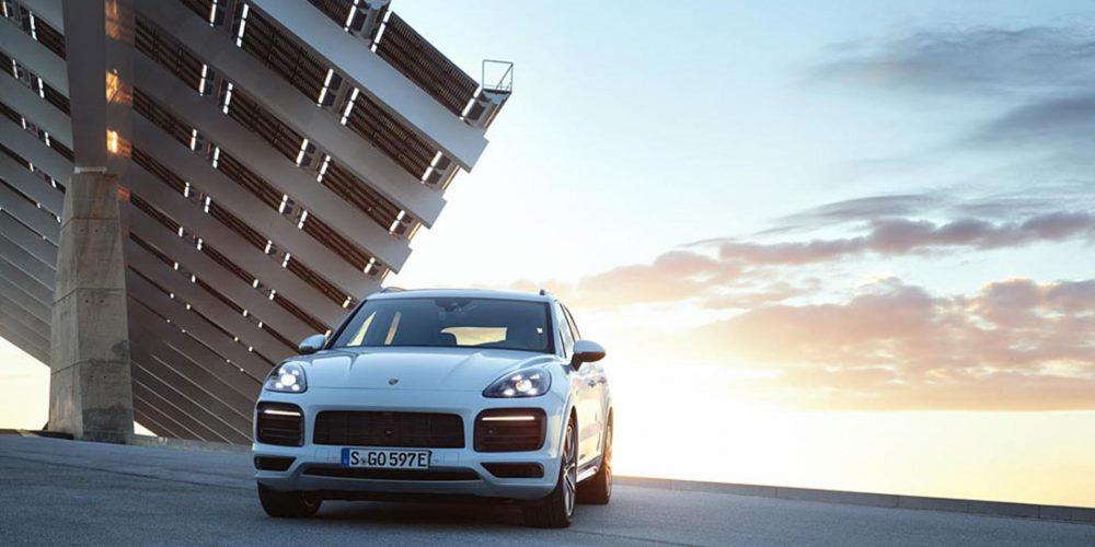 Manejamos el nuevo Porsche Cayenne E Hybrid 2019 en Europa.