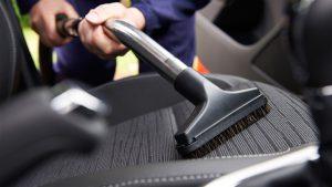 kit de limpieza para desinfectar el auto
