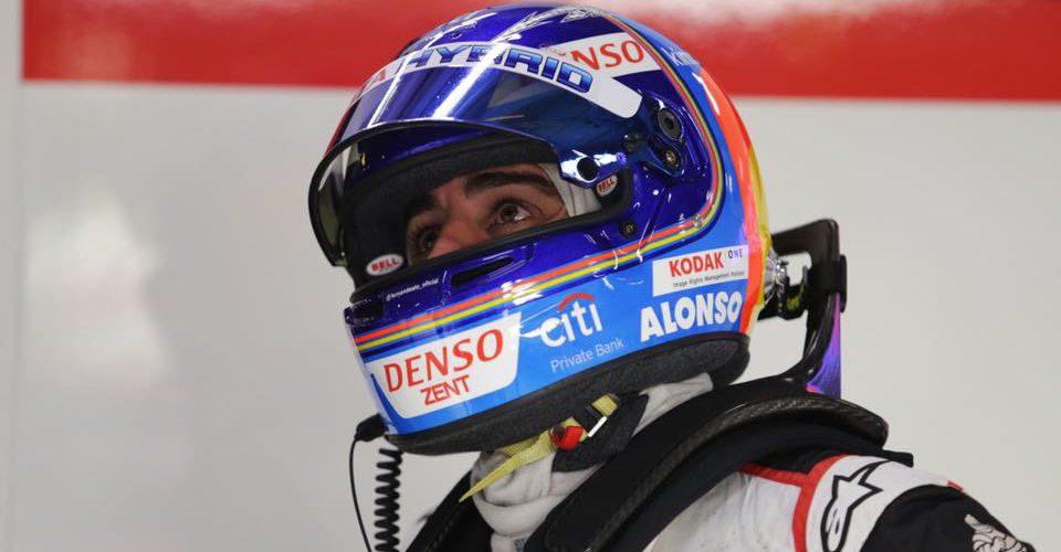 Fernando Alonso va por la Triple Corona
