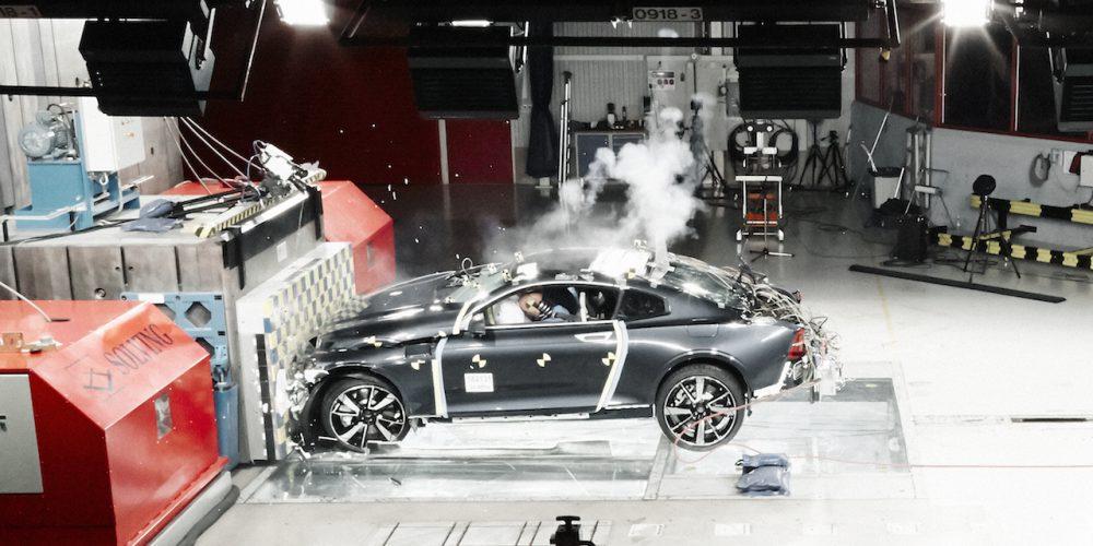 Polestar, la marca deportiva de Volvo, demuestra lo importante de la fibra de carbono