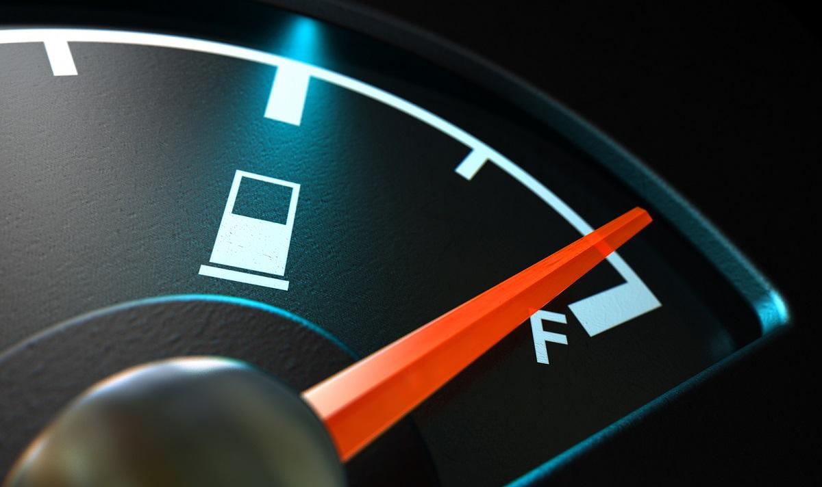 Razones por las que no debes conducir con la reserva de gasolina