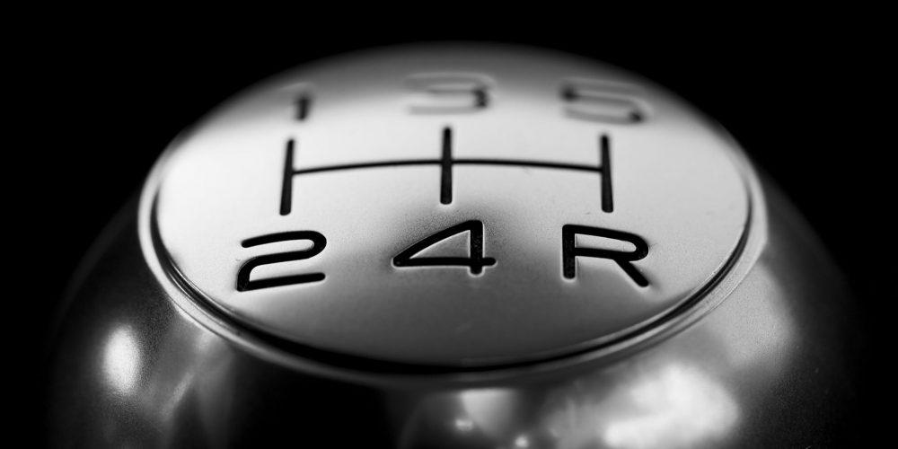 ¿Conducir transmisión manual te hacer mejor automovilista?