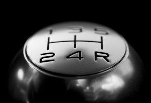 conducir un transmision manual te hace mejor automovilista