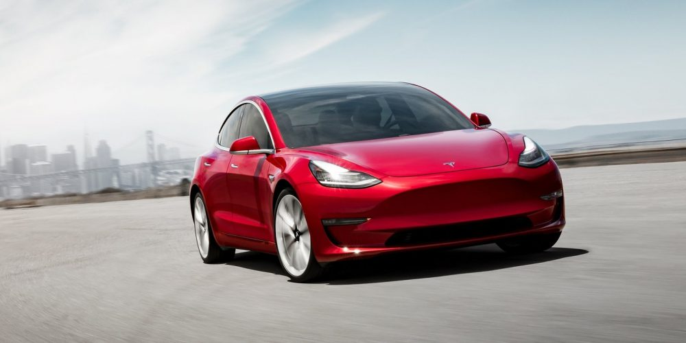 Ofrece Tesla un Model 3 asequible para China