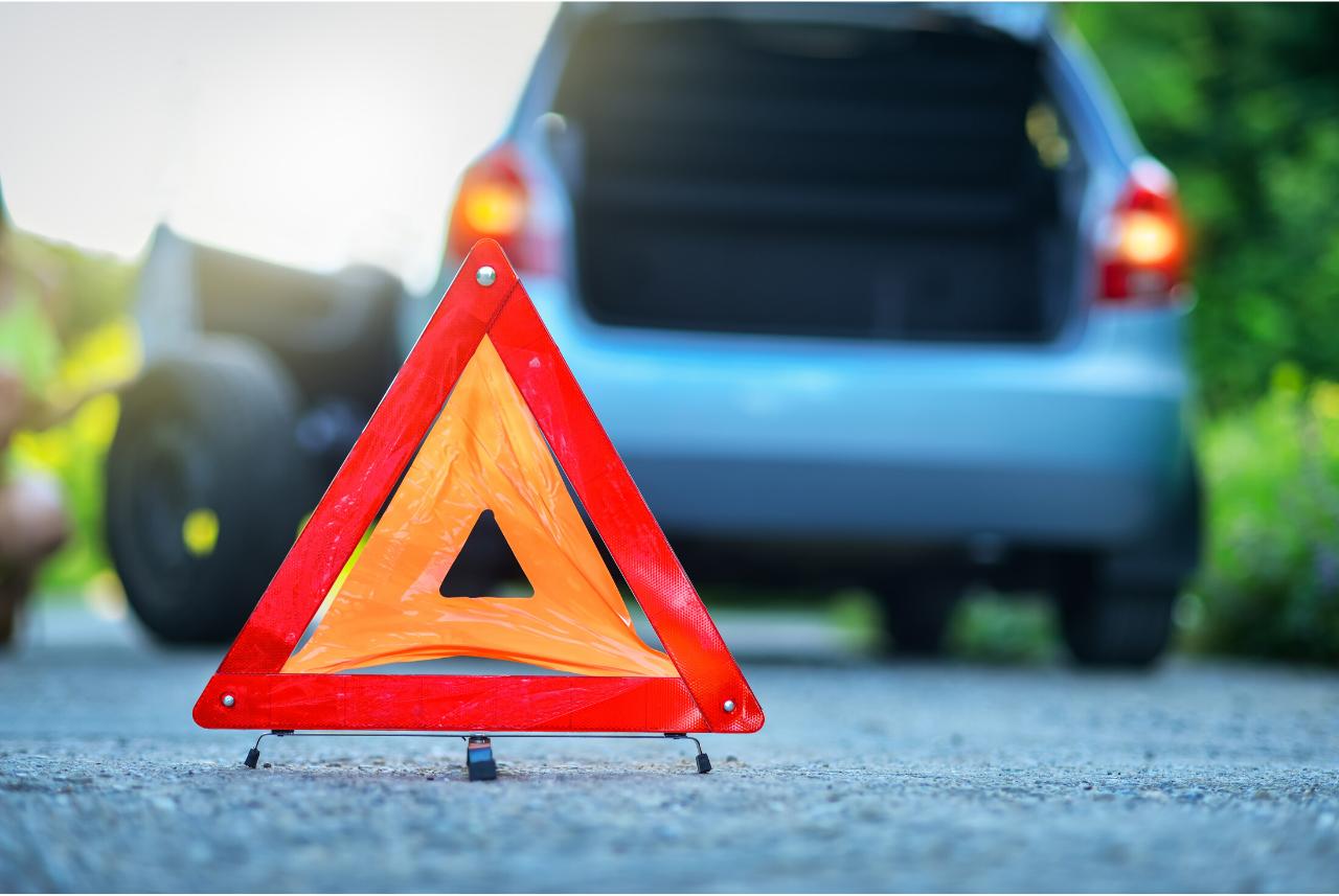 ¿Sabes qué cuidar en tu auto para evitar quedarte varado?