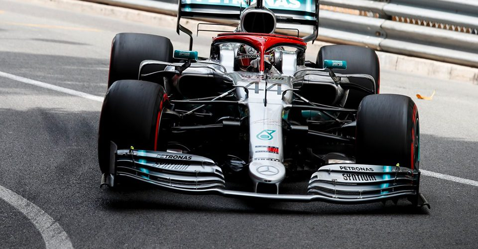 Dura batalla de Lewis Hamilton por la victoria en Mónaco