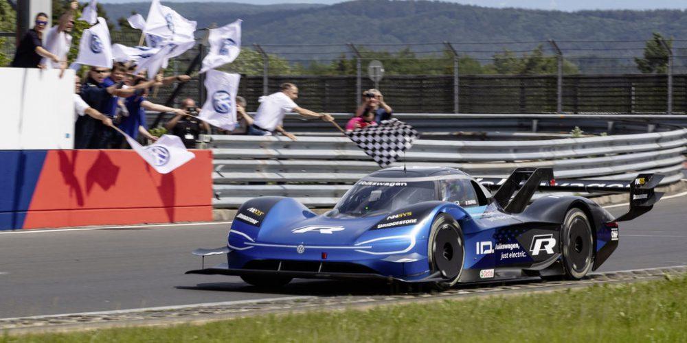 Volkswagen ID.R establece un nuevo récord eléctrico en Nürburgring