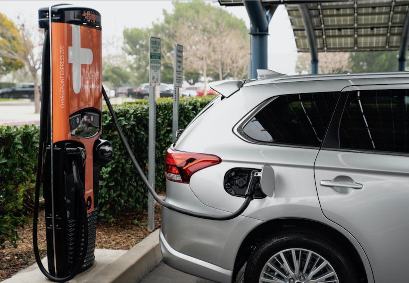 ¿Qué tan complicado es instalar un cargador de vehículo eléctrico en casa?
