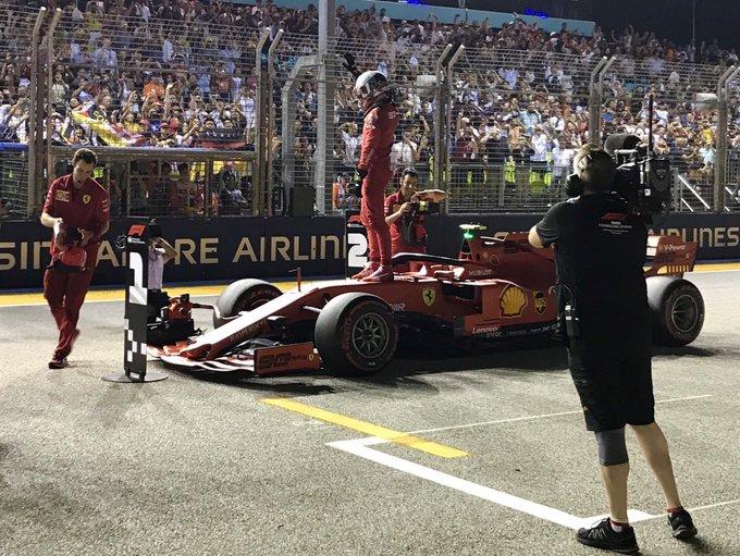 Pole de ensueño para Leclerc en Singapur
