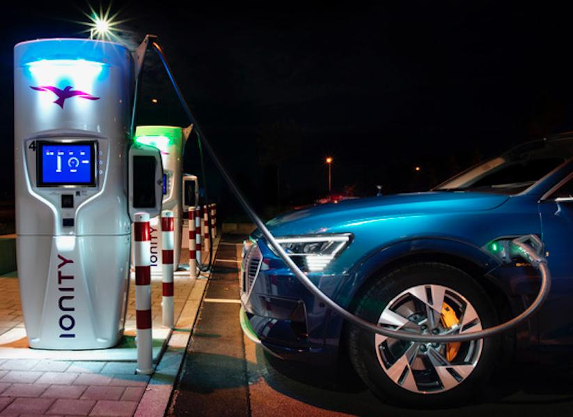 Para qué esperar al futuro, Audi e-tron ha llegado