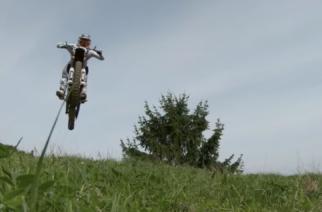 ¿Motocross freestyle con motos eléctricas? El impactante video de Red Bull