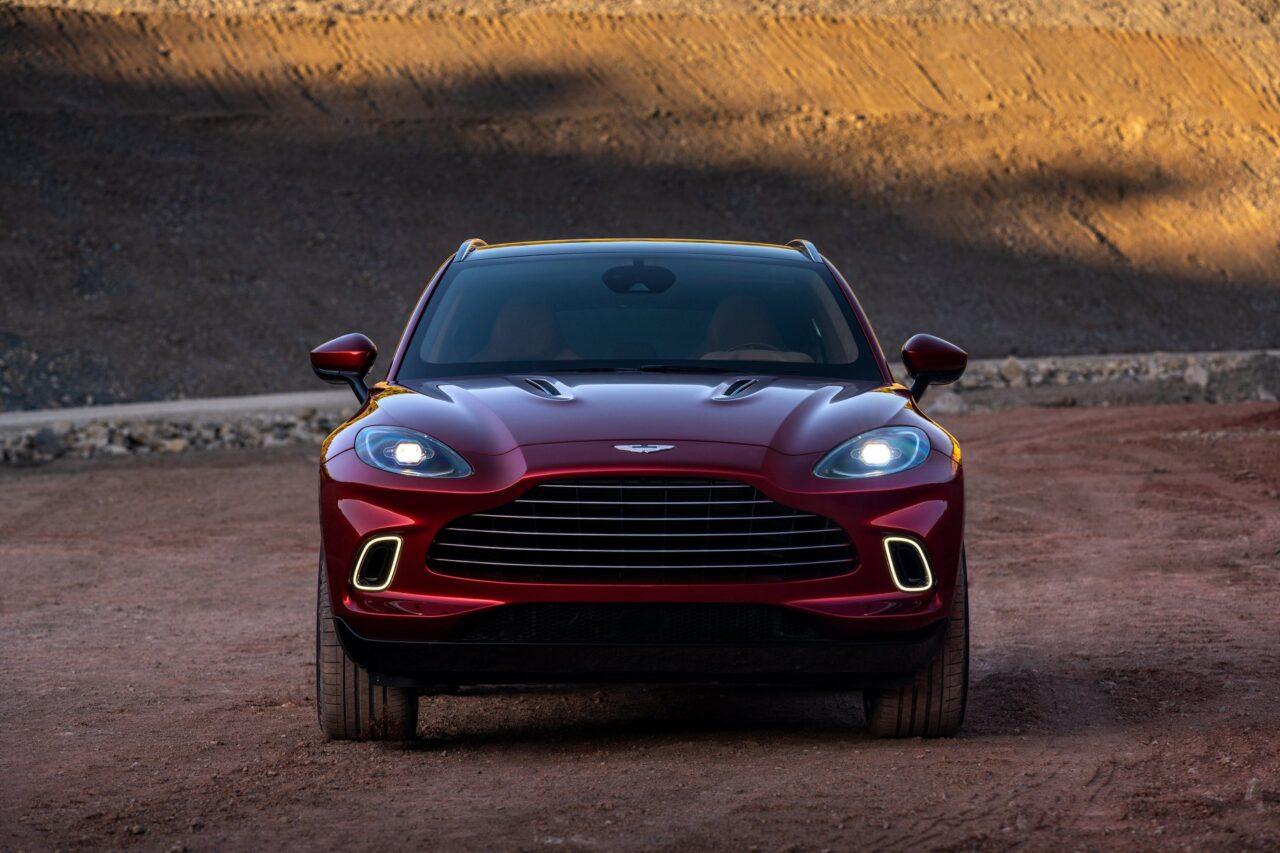 Aston Martin DBX es elegido como el más guapo
