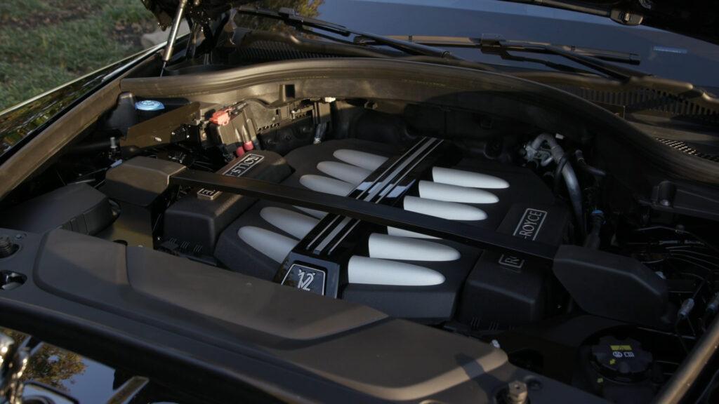 Motor Rolls-Royce Cullinan