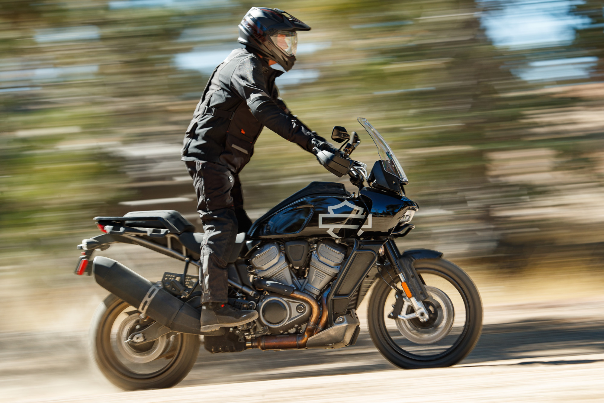 ¿Cuántas calorías quemas al andar en moto? Te sorprenderás