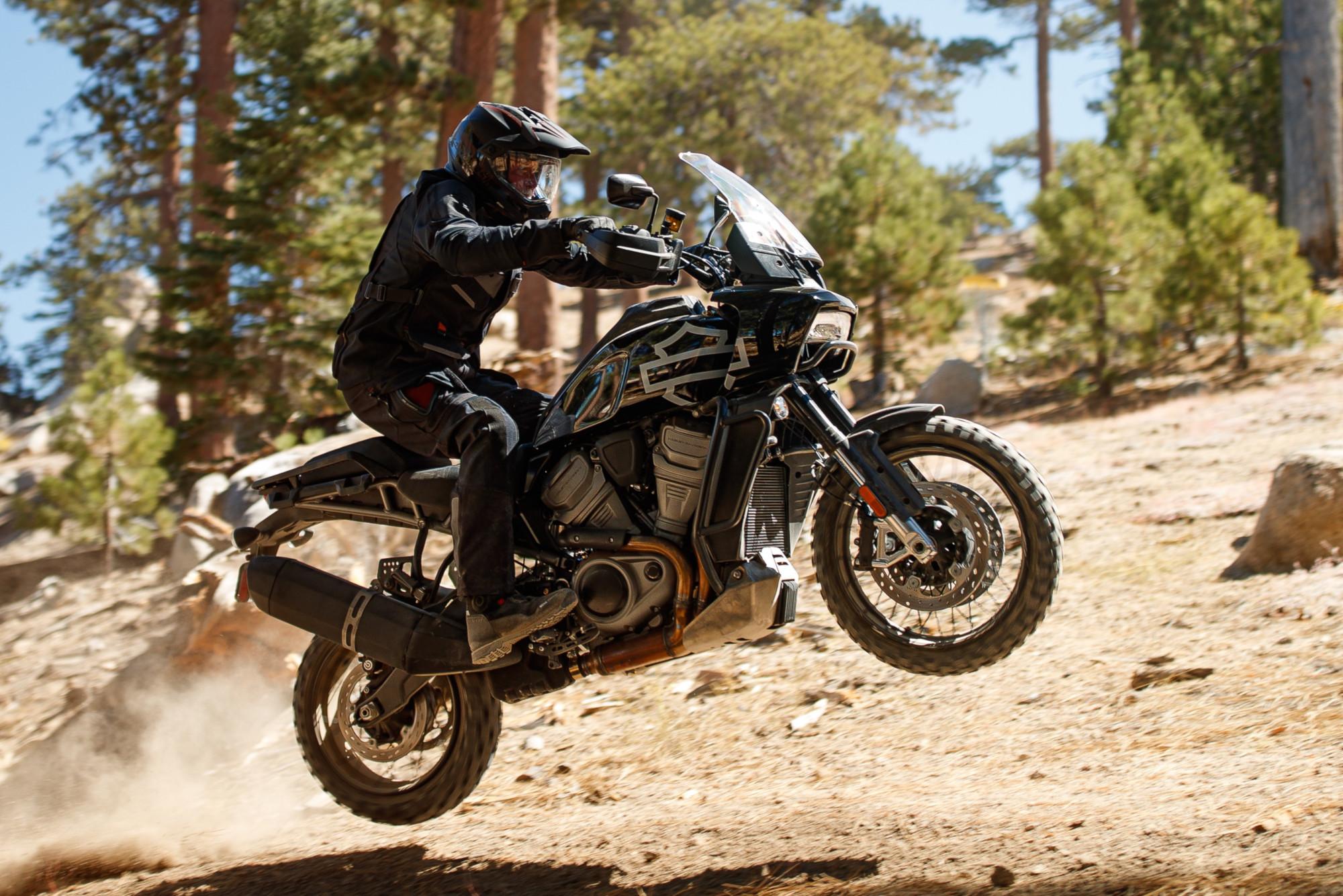 Pan America Adventure Touring y Bronx Streetfighter, las novedades de Harley-Davidson