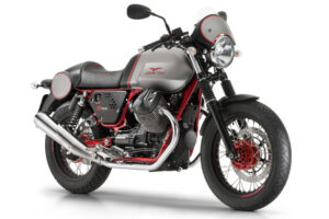 Moto Guzzi V7 II Racer, la café racer italiana