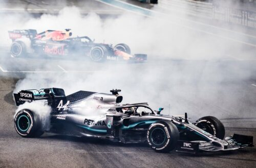 Dominante victoria de Hamilton en Abu Dhabi