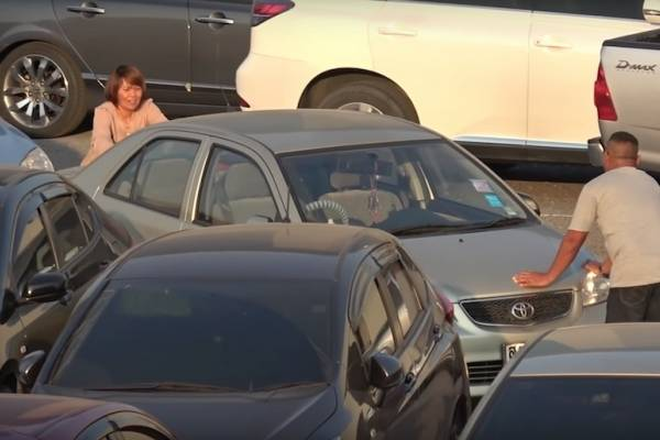 Consejos para evitar que choques o te choquen en un estacionamiento