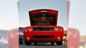 Los 49ers comparten fotos de autos temáticos de sus fans