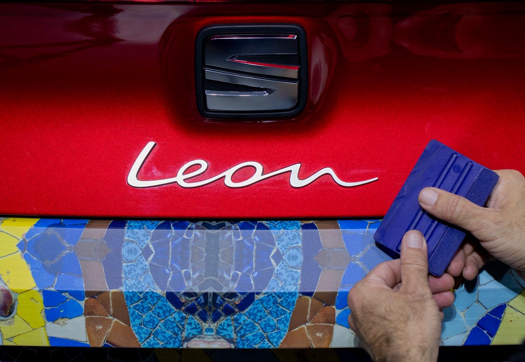 El camuflaje del León, hijo de Barcelona