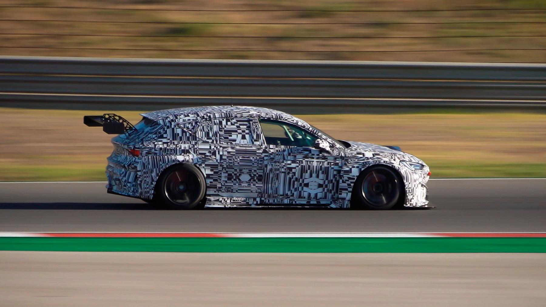 León Competición, el auto de carreras creado con impresoras 3D