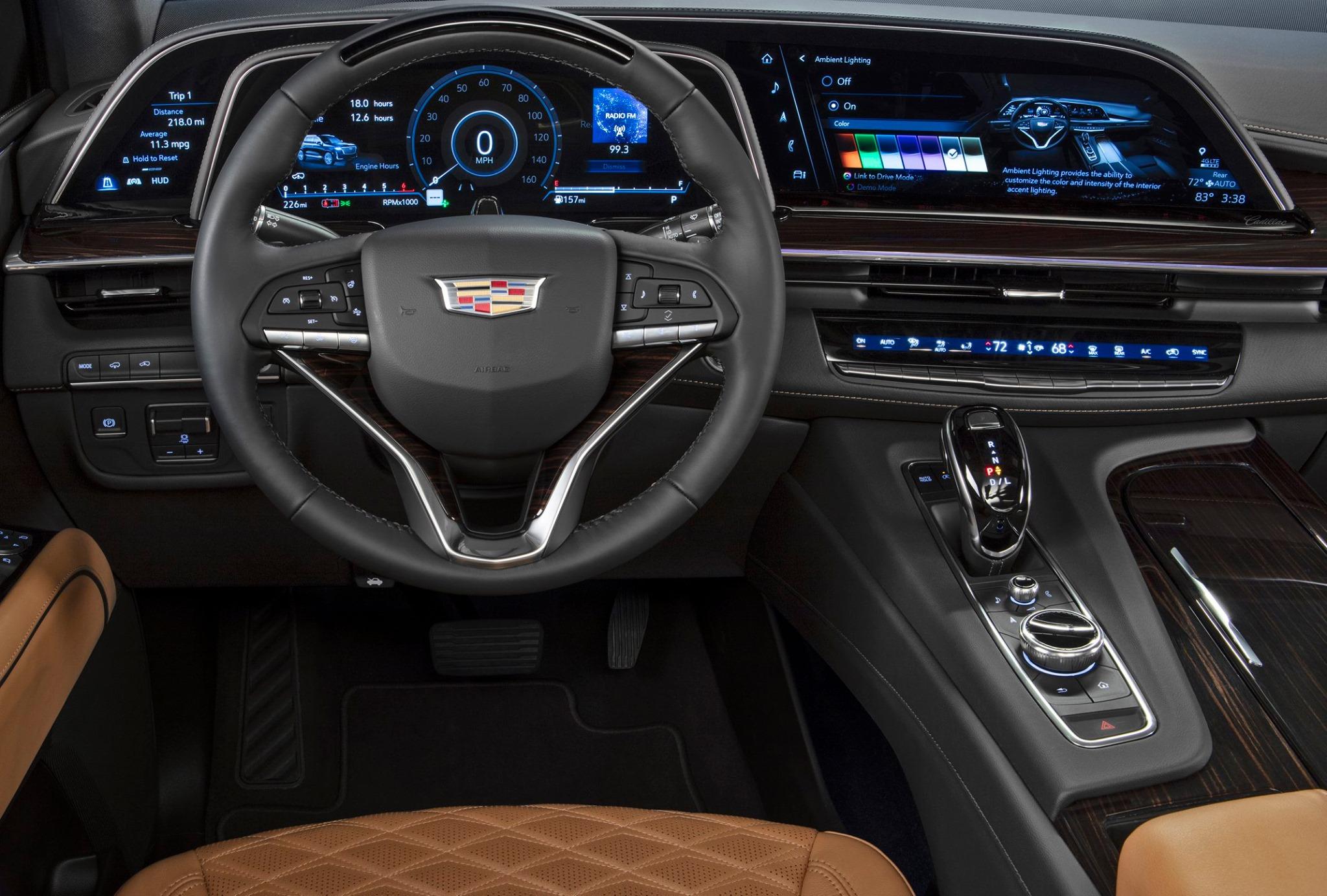 Cadillac Escalade 2021-quinta generacion-infoentretenimiento pantalla