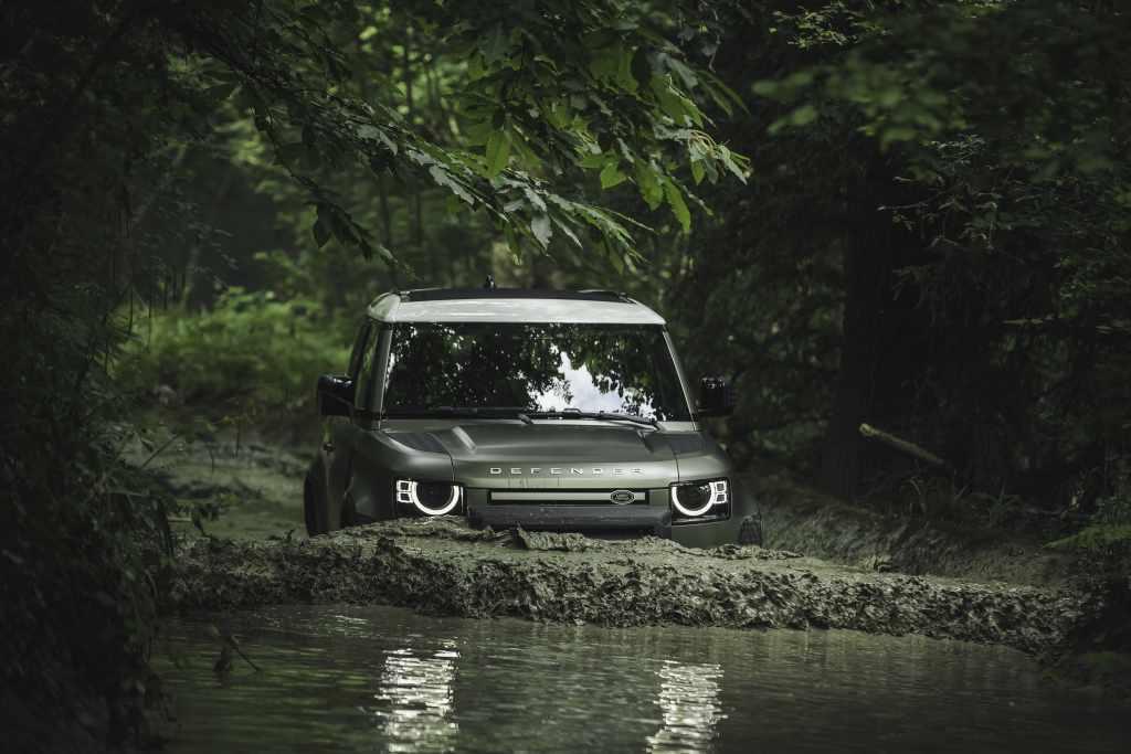 Land Rover Defender 90,