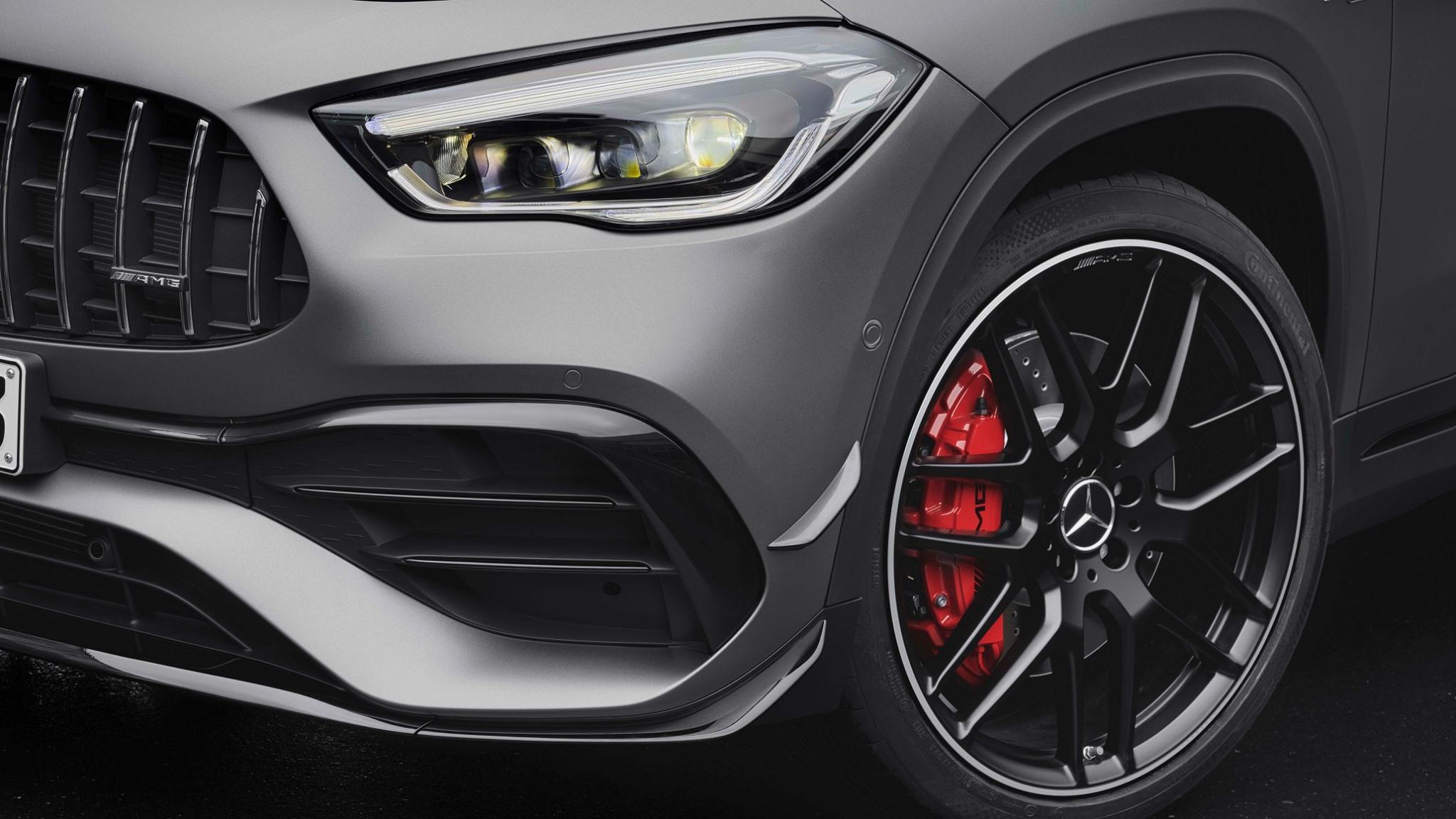 Mercedes-AMG GLA 45 close up rines