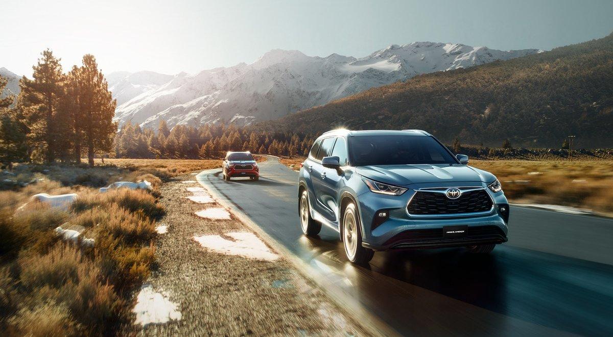 Toyota Highlander 2020-running shot