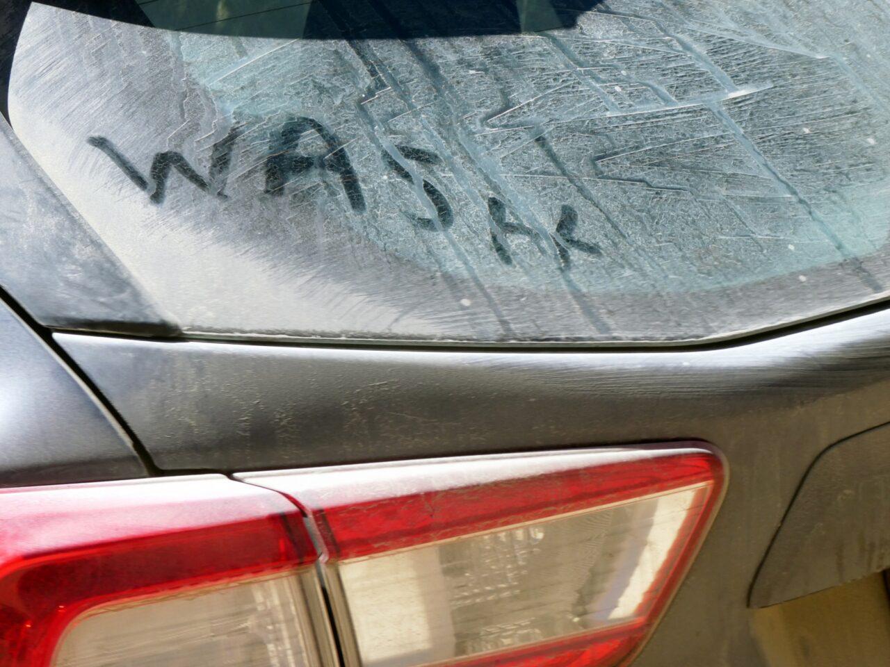 Un auto sucio ¿es dañino o tiene una capa protectora?