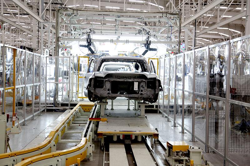 ¿Qué efectos tiene el COVID-19 en la industria automotriz?