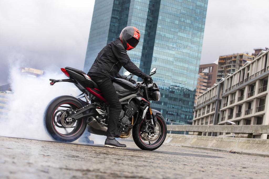Triumph Street Triple RS recibe una actualización excitante